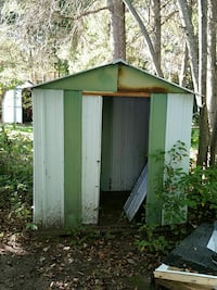Shed just needs a neew coat of paint  Sault Ste. Marie, P6A 2H1