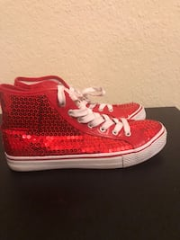 pair of red-and-white high top sneakers Miramar, 33025