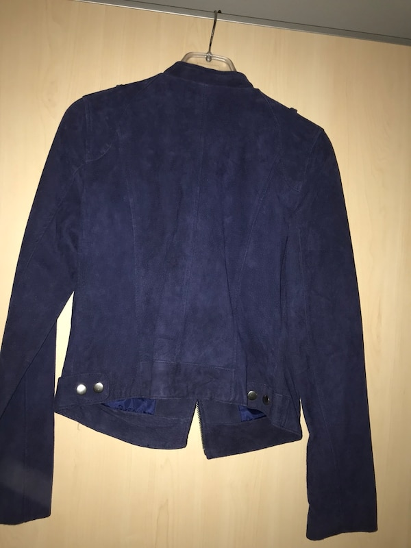 Blue denim zip-up jacke