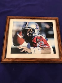 """12"""" X 10"""" autographed picture of Anthony Calvillo with authenticity document of signature Calgary, T2M 2P2"""