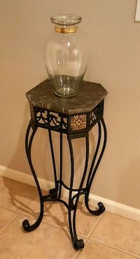 Wrought-iron & Stone Accent Table With Vase Peoria, 85383