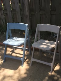 Two plastic chairs Willowick, 44095