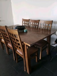 Solid wood dinning table  Toronto, M3K 1N1