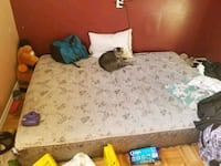 Queen size bed Kelowna, V1Z 2G8