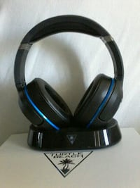 black and blue corded headphones Johnson City, 37601