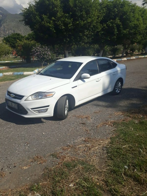 2011 Ford Mondeo 6b11bf01-f31c-437f-853d-48292be22ba9