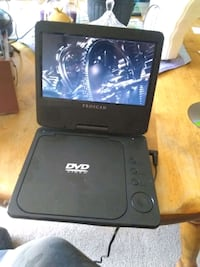 DVD player with charger  Redmond, 97756