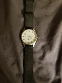 Quartz watch with rubber band