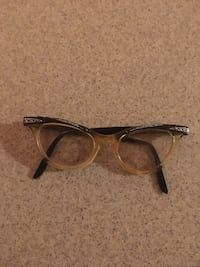 Vintage eye glasses Winchester, 22602