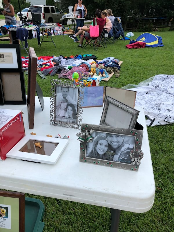 Picture frames lot. Over 60 individuals or entire lot.  04dad385-2138-47e1-a5e6-ddd4bb9bc21b