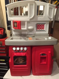 white and red kitchen playset Bolton, L7E 1C8