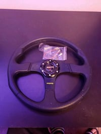 Momo steering wheel  London, N6N 1E4