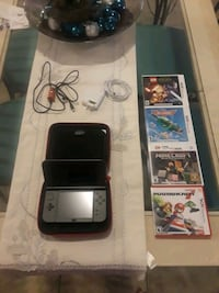 Nintendo 3DS with game cases Fort Myers, 33916