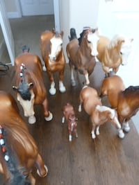 8 Horse Figurines - Display or toys