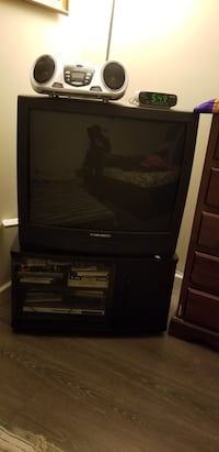 Black crt tv with tv stand 3745 km