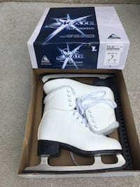 Brand new woman's skates size 7