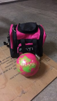 Women's/ Child's 6lb bowling ball and bag North Chicago, 60088