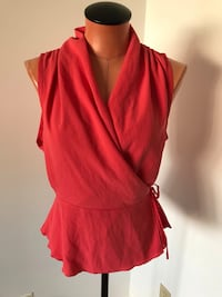 Aritzia Wilfred Top Size Small