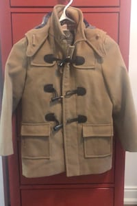 Trenchcoat for boys(size 7/8). Toronto, M4P 0A4