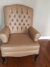 white leather tufted sofa chair TORONTO