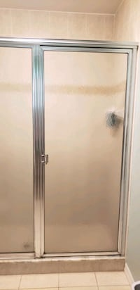 GLASS SHOWER ENCLOSURE W/DOOR Brooksville, 34601