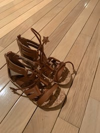 Girls size 11 sandals... New Toronto, M3N 1E7