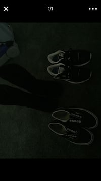 pair of black-and-white Nike sneakers Apple Valley, 92307