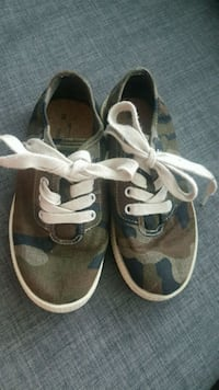 Size 12 toddler camo shoes from Zara Pickering, L1V 4B1