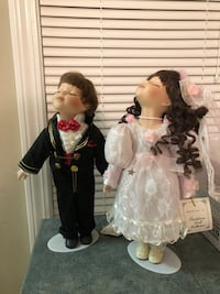 Traditions Doll Collection. Bride and groom porcelain dolls  Bethlehem, 30620