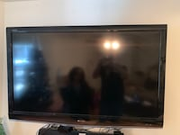 52 inch sharp Aquos tv, with roku, and full motion wall mount (not pictured). All in great condition 165 km