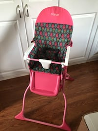 Fold up high chair no tray  Wesley Chapel, 33544