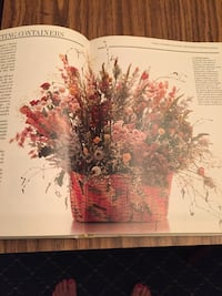 The complete book of dried flowers ... mint condition Smithtown, 11780