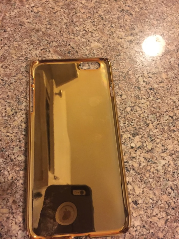 cheap for discount dda64 c7afb Louis Vuitton iPhone 6 Plus Limited addition 24kt Gold UAE case