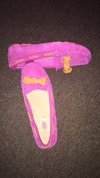 Pink and orange ugg slippers  Dover, 19901
