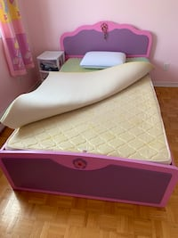 Princess bed and dressing table Laval, H7X 3P1