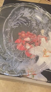 "Tiger lily sculptured crystal platter 15"", excellent condition  Coquitlam, V3J 4A3"