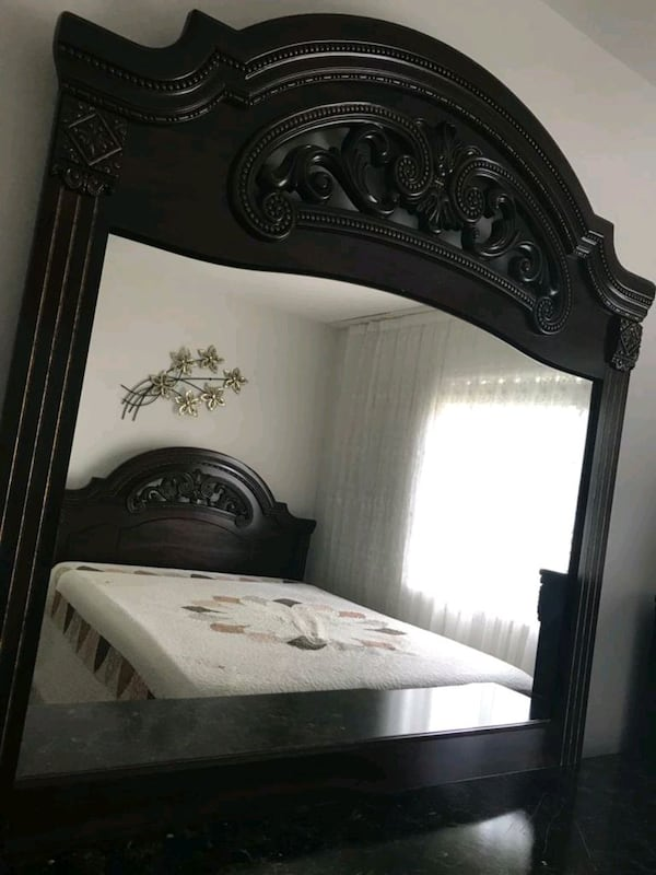 Bedroom Set Queen Size (Negotiable) 326e2f83-c392-4871-a1b8-ebb5e522f0d2