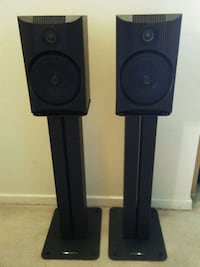 B&W Bowers & Wilkins Speakers & Matching Stand 718 km