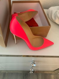 Authentic Christian Louboutin's 39 1/2 Woodbridge, 07095