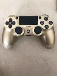 Gold ps4 controller (v2) like new Kissimmee, 34758