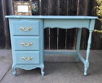 Adorable French provincial desk or vanity Fairfield, 94533