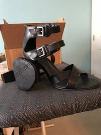 Kenneth Cole brand new size 10 m 9.5 cm heel height never worn too high for me to comfortably to walk in Langley, V1M 4B6