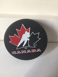 Sidney Crosby signed puck Brantford