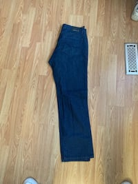 True religion and guess jeans Oshawa, L1H 4M6