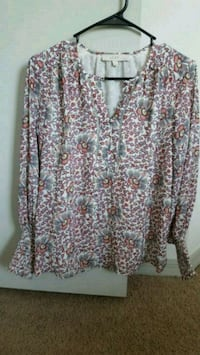 Loft 100% polyester ladies top xsml Palm Bay, 32908