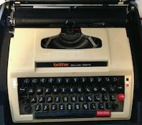 Retro Typewriter Brother Deluxe 762-TR Bakersfield, 93311