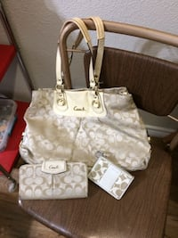 monogrammed white and brown Coach tote bag Conroe, 77385