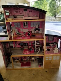 Wooden doll house with furniture Gainesville