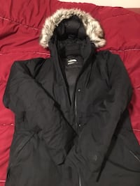 North Face women's winter jacket never worn! Sold as is in photos