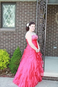 women's red sweetheart strapless evening gown